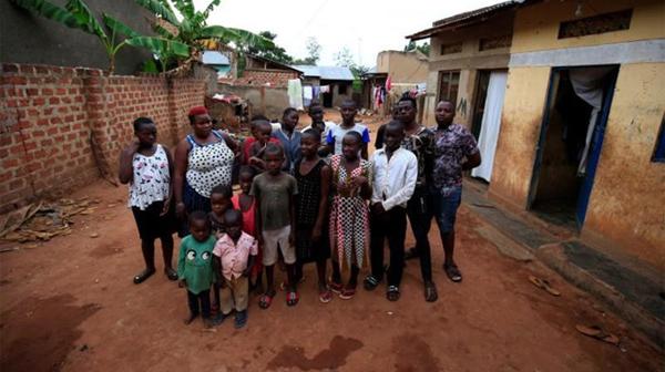 Người mẹ Uganda 39 tuổi vật lộn vì bị chồng bỏ sau khi đẻ 38 đứa con