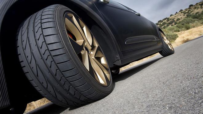 Vì sao lốp ôtô xe máy có màu đen mà không phải là màu khác?