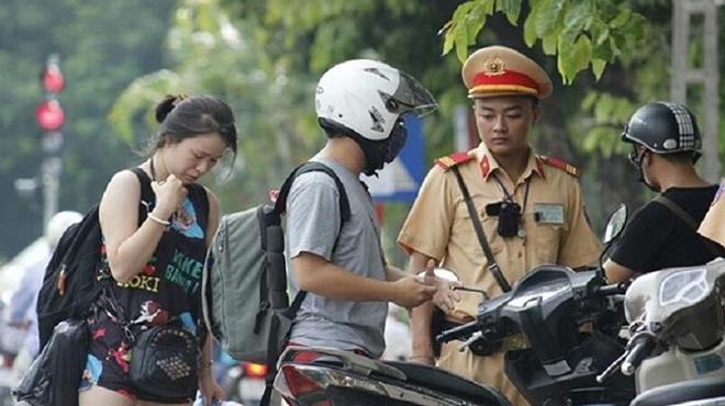 Trang bị camera gắn ngực siêu nhỏ cho cảnh sát giao thông