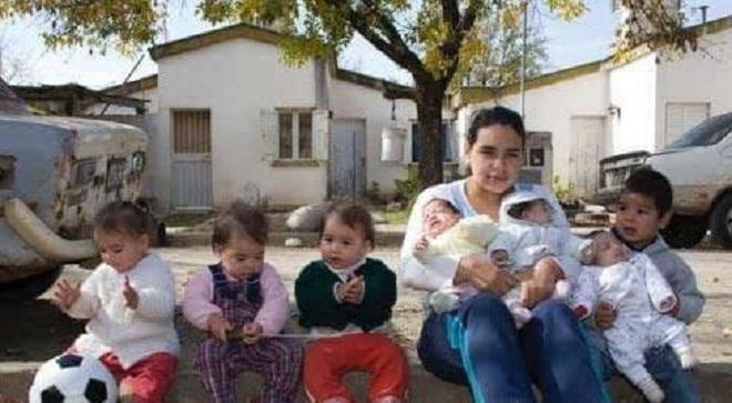 17 tuổi làm mẹ của 7 đứa con