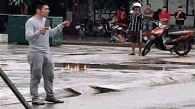 Thanh niên nghi ngáo đá chém bị thương 3 người thân