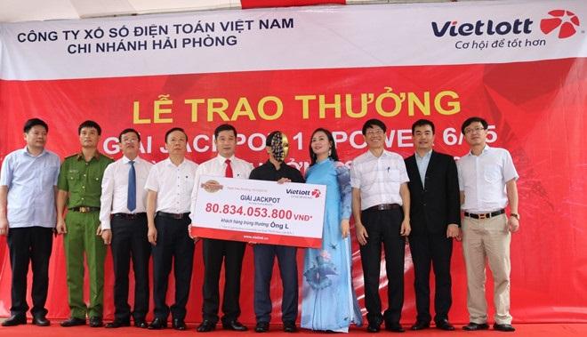 Mua một dãy số suốt một năm, khách Nghệ An trúng gần 81 tỷ đồng