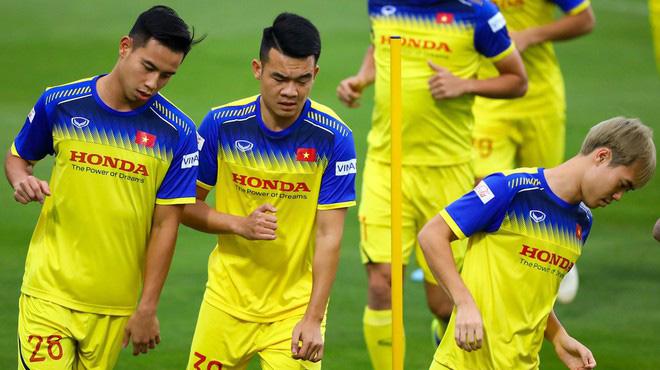 Danh sách 25 cầu thủ tuyển Việt Nam chuẩn bị cho trận gặp UAE và Thái Lan