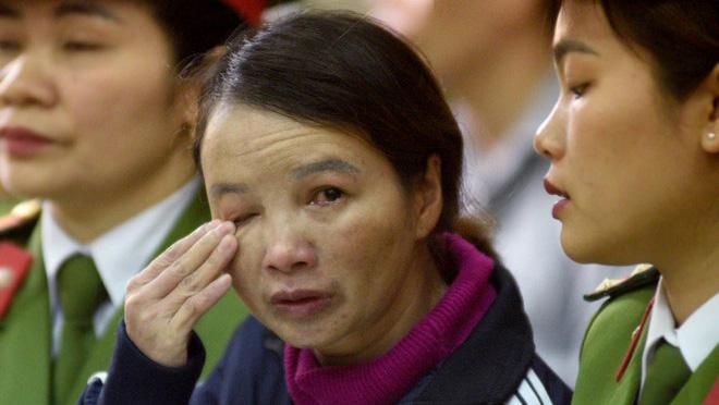 Mẹ nữ sinh giao gà xin tòa một ân huệ