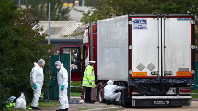16 thi thể nạn nhân tử vong ở Anh về đến Nội Bài