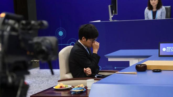 Nhà vô địch cờ vây giải nghệ vì thua trí tuệ nhân tạo