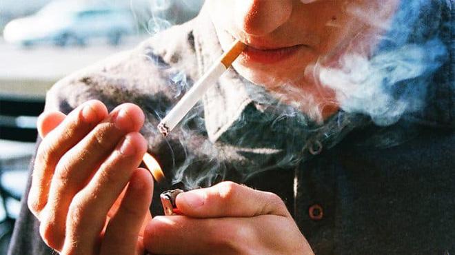 Hút hơn một bao thuốc mỗi ngày, tế bào ung thư sinh sôi trong cổ họng