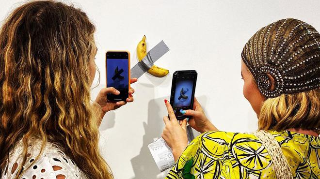 Tác phẩm nghệ thuật làm bằng 1 quả chuối bán với giá 120.000 USD