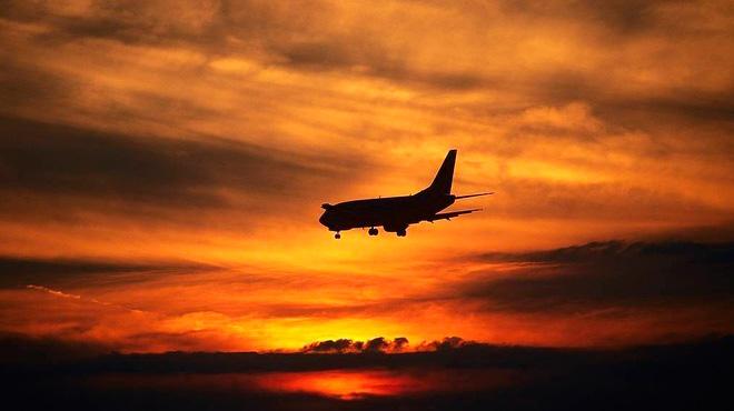 Máy bay chở 180 người rơi tại Iran vì lỗi kỹ thuật