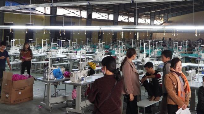 Hàng trăm công nhân đình công vì công ty nợ lương giáp Tết