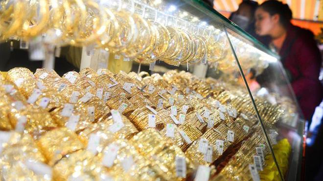 Giá vàng tăng gần 1 triệu phiên đầu năm