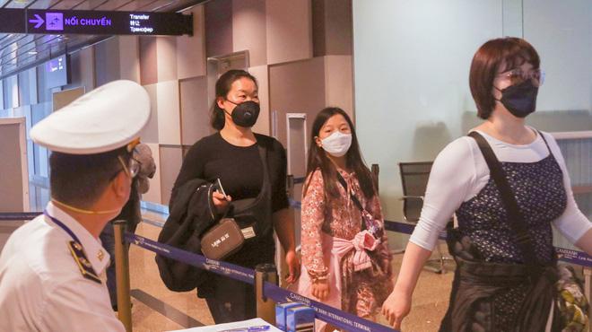 Khánh Hòa cách ly thêm 4 người nghi nhiễm virus corona