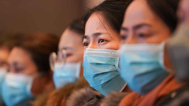 Quan chức Hàng Châu: '30 người họp mà hết 11 người nhiễm bệnh rồi'