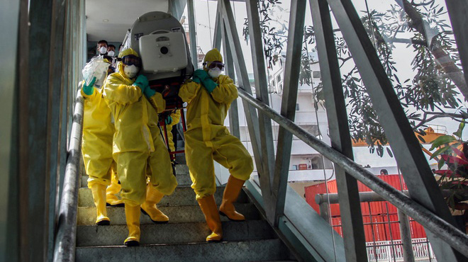 Số người chết vì virus corona ở TQ tăng lên 425 người
