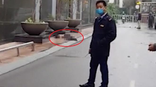 Một phụ nữ rơi từ tầng 20 chung cư ở Hà Nội