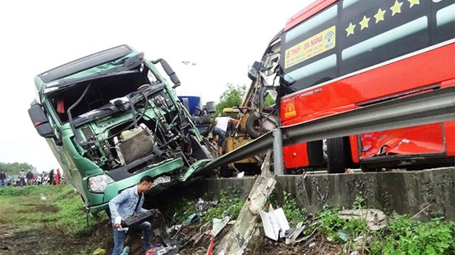 Tai nạn giao thông liên hoàn khiến 6 người thương vong