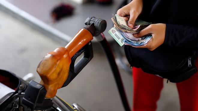 Giá xăng tăng hơn 1.000 đồng/lít ?