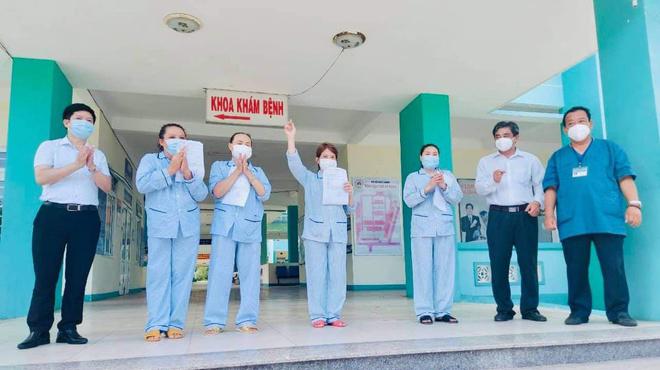 4 bệnh nhân đầu tiên của Đà Nẵng khỏi Covid-19